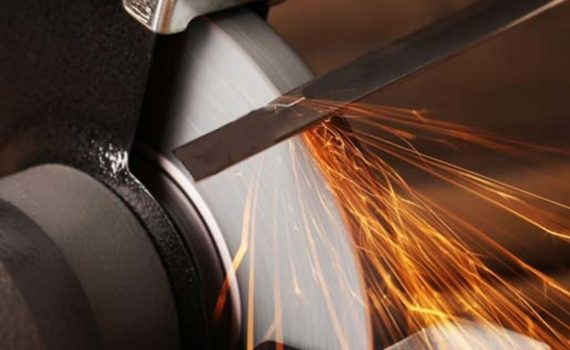 Types of Mower Blades: Mulching vs Non-Mulching