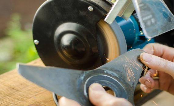 Types of Lawn Mower Blades