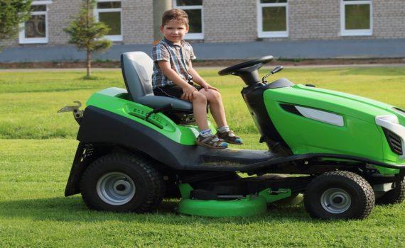 Push Mower versus Riding Mower